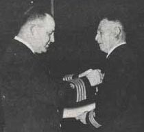 Erich Richter receives medal